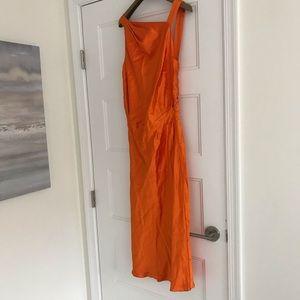 Orange long dress!🧡